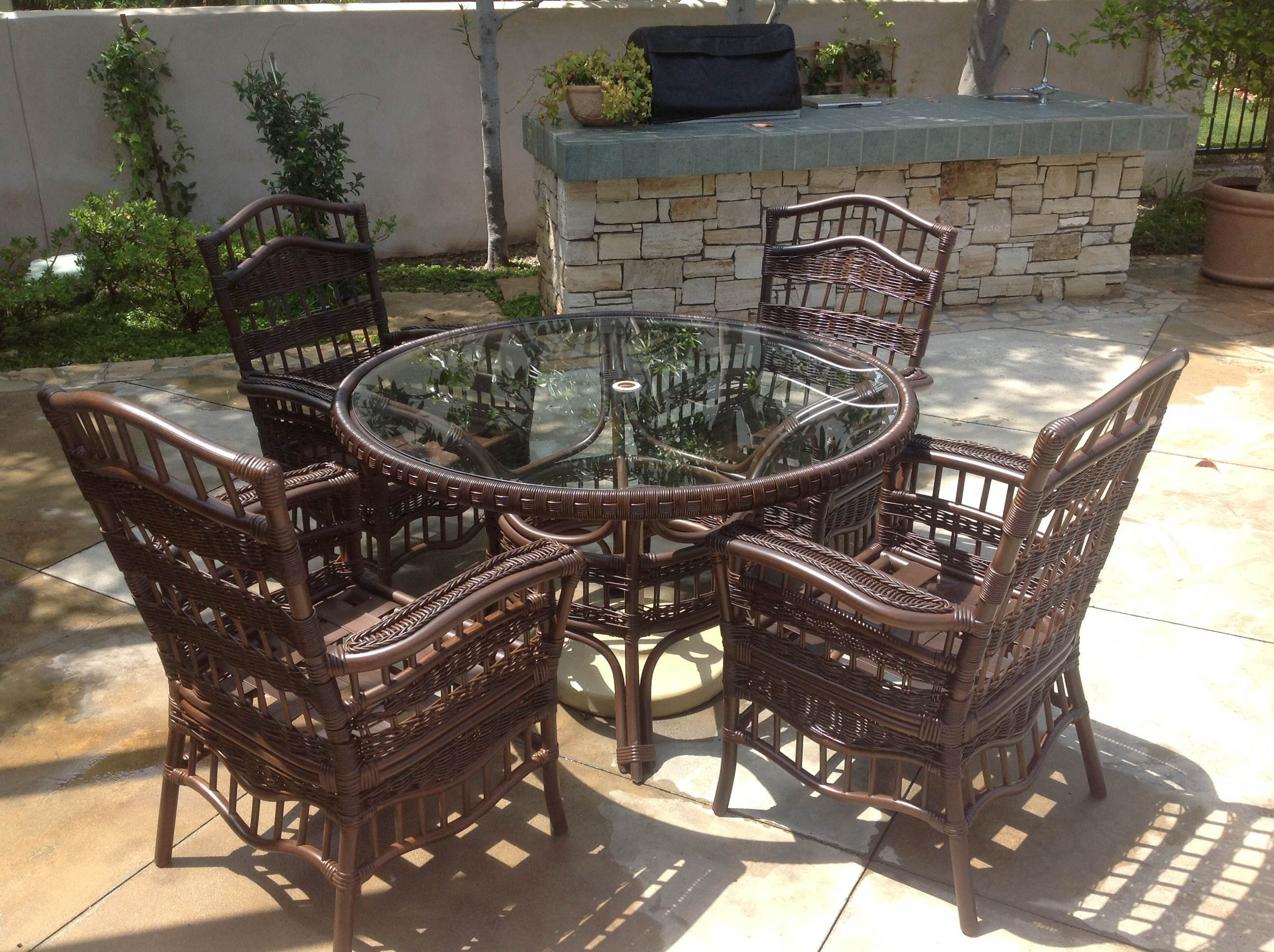 Outdoor Furniture Staining and Refinishing in Newport Beach